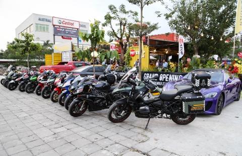 Hang chuc moto va sieu xe tap trung o Sai Gon hinh anh 1