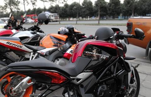 Hang chuc moto va sieu xe tap trung o Sai Gon hinh anh 4