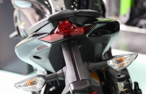 Kawasaki Z1000 2017 ra mat tai VN, gia tu 399 trieu dong hinh anh 9