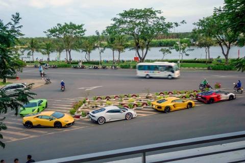 Minh Nhua, Cuong Do La khoe dan sieu xe tren pho Sai Gon hinh anh 11