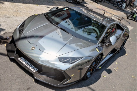 Lamborghini Huracan do body va dan chrome o Sai Gon hinh anh 3