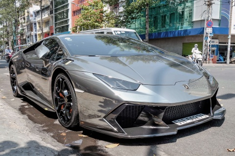 Lamborghini Huracan do body va dan chrome o Sai Gon hinh anh 4