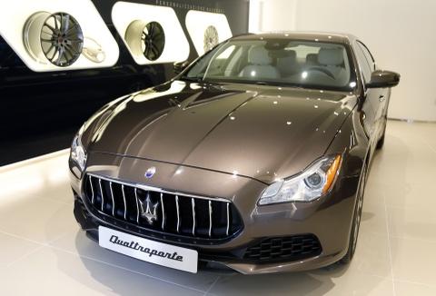 Xe sang Maserati Quattroporte gia 7,2 ty dong tai Viet Nam hinh anh 1