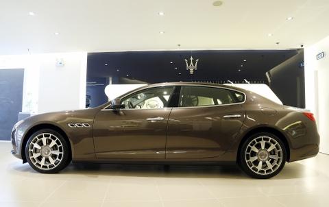 Xe sang Maserati Quattroporte gia 7,2 ty dong tai Viet Nam hinh anh 2