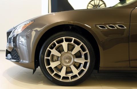 Xe sang Maserati Quattroporte gia 7,2 ty dong tai Viet Nam hinh anh 6
