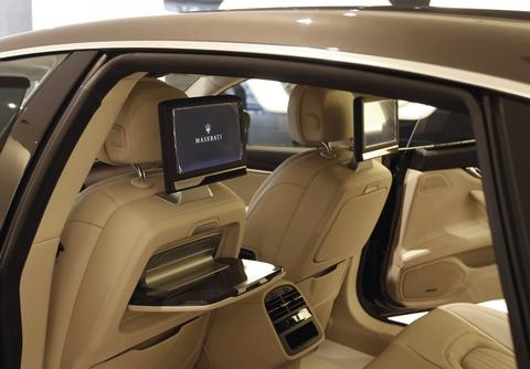 Xe sang Maserati Quattroporte gia 7,2 ty dong tai Viet Nam hinh anh 8