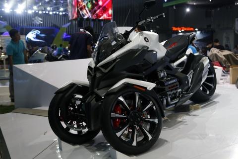 Moto tran ngap truoc gio khai mac Vietnam Motorcycle Show 2017 hinh anh 4