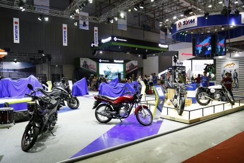 Moto tran ngap truoc gio khai mac Vietnam Motorcycle Show 2017 hinh anh 7