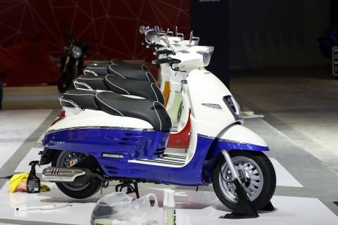 Moto tran ngap truoc gio khai mac Vietnam Motorcycle Show 2017 hinh anh 11
