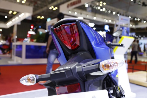 Chi tiet xe con tay Suzuki GSX-R150 gia re tai Viet Nam hinh anh 8