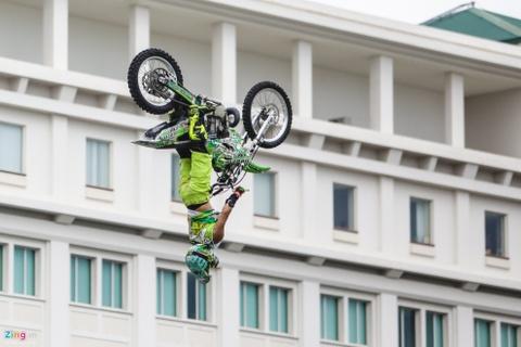 Nguoi Sai Gon man nhan voi man moto bay cua Yamaha hinh anh 5