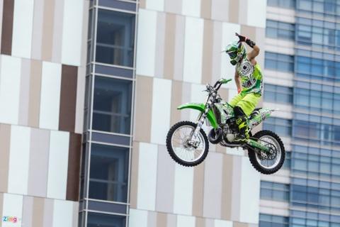 Nguoi Sai Gon man nhan voi man moto bay cua Yamaha hinh anh 3