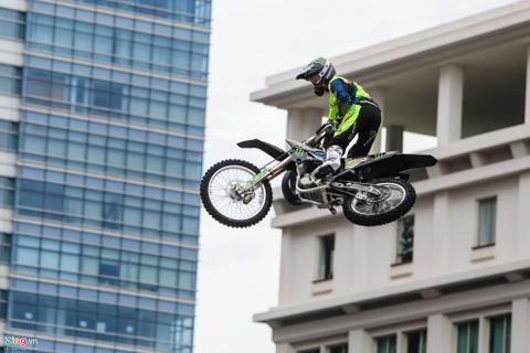 Nguoi Sai Gon man nhan voi man moto bay cua Yamaha hinh anh 7