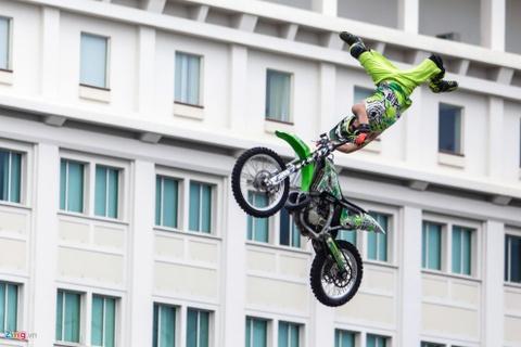 Nguoi Sai Gon man nhan voi man moto bay cua Yamaha hinh anh 4