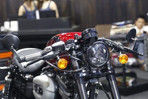 Harley-Davidson Roadster Cafe Racer gia gan 600 trieu dong tai VN hinh anh 6