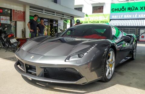 Cuong Do La tau them sieu xe Ferrari 488 GTB mau xam hinh anh 2