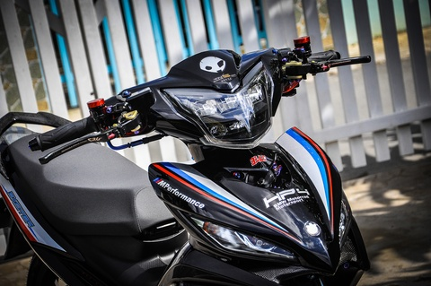 Exciter 135 do phong cach HP4 cua fan BMW o Can Tho hinh anh 3