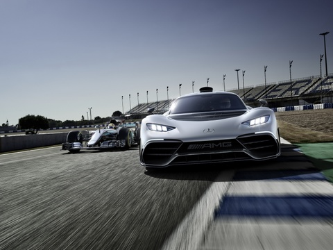 Mercedes AMG Project One: Sieu xe dung dong co F1 gia 2,7 trieu USD hinh anh 4