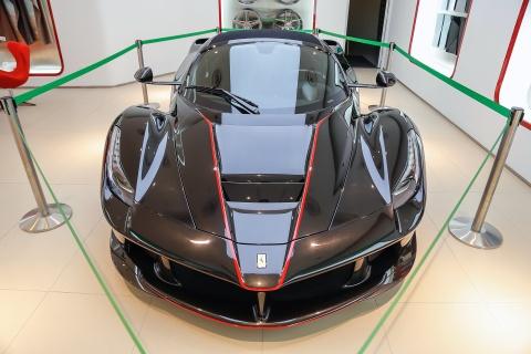 Anh thuc te LaFerrari Aperta - chiec Ferrari dat nhat Singapore hinh anh 1