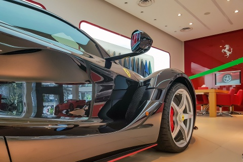 Anh thuc te LaFerrari Aperta - chiec Ferrari dat nhat Singapore hinh anh 8