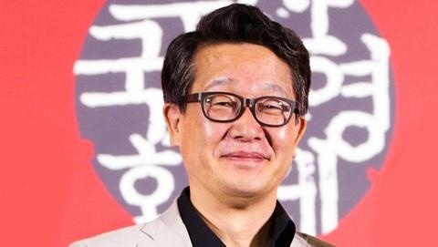 Pho giam doc LHP Busan qua doi khi dang tham du Cannes hinh anh