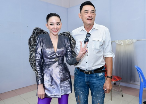 Toc Tien lan dau duoc ba toi co vu o chung ket The Voice hinh anh 4
