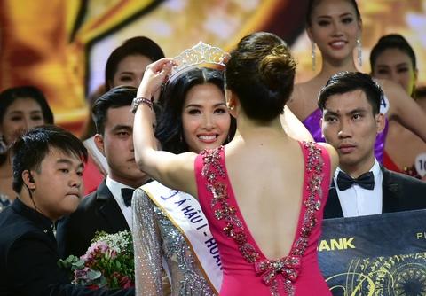 Khoanh khac dang quang cua tan Hoa hau Hoan vu Viet Nam 2017 hinh anh 6