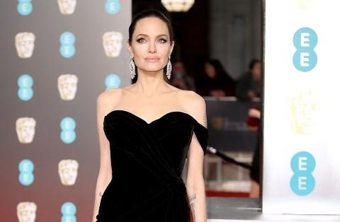 Angelina Jolie, Jennifer Lawrence va cac sao nu mac dep nhat BAFTA hinh anh