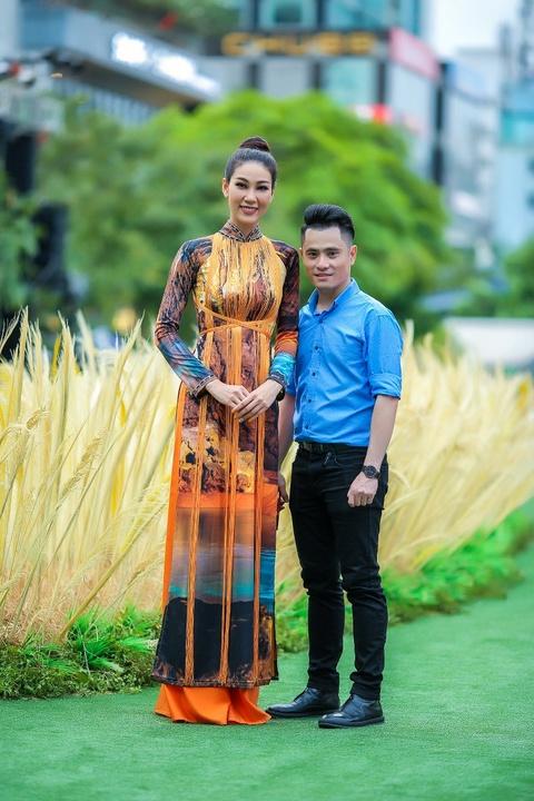 Dan sao Viet cung 3.000 nguoi mac ao dai o pho di bo Nguyen Hue hinh anh 4