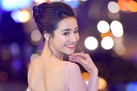 truong ngoc anh goi cam hinh anh