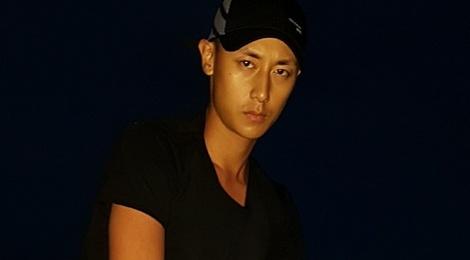 Rocker Nguyen tung ghi dau an truoc on ao hinh anh