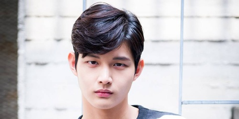 Lee Seo Won bieu dien cung I.O.I hinh anh
