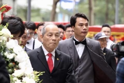 Ban trai CEO lich lam trong le an hoi voi A hau Thanh Tu hinh anh