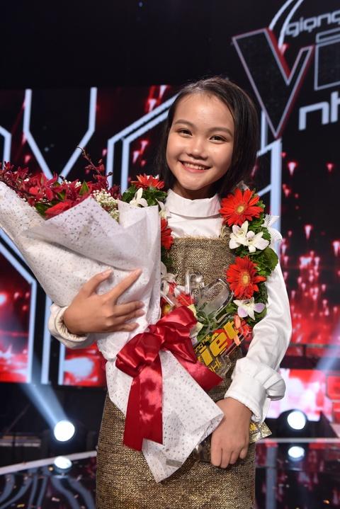 Co be dan ca Ha Quynh Nhu tro thanh quan quan Giong hat Viet nhi 2018 hinh anh 10