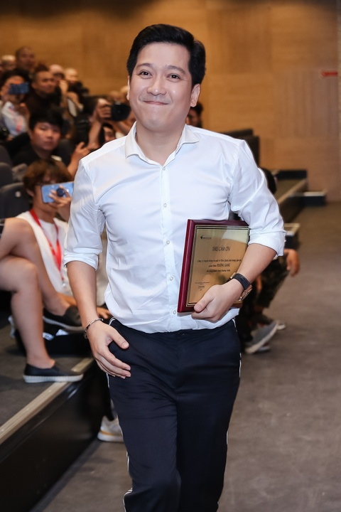 Truong Giang lan dau noi ve viec ket hon Nha Phuong: 'Lay vo vui lam' hinh anh 4