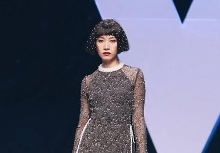 BTC tuần lễ thời trang bị nhiều người mẫu tố nợ cát-xê
