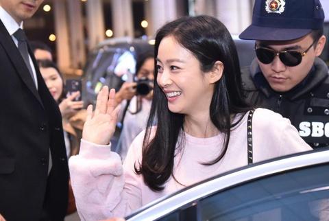 Kim Tae Hee rang ro chao fan Viet khi toi Ha Noi luc toi muon hinh anh