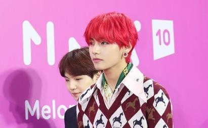 BTS noi bat, lan at dan sao tham gia tham do Melon Music Awards 2018 hinh anh