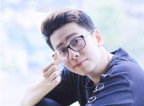 Chu nhan 'Nguoi am phu': 'Khong tu tin canh tranh Son Tung M-TP' hinh anh