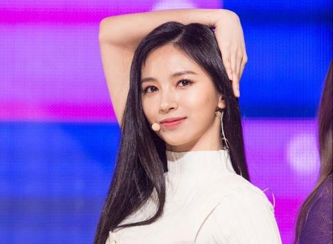 Bản sao của Twice gây thất vọng vì màn ra mắt nhạt nhòa