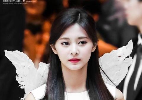 8 my nhan duoc binh chon dep nhat Kpop hinh anh