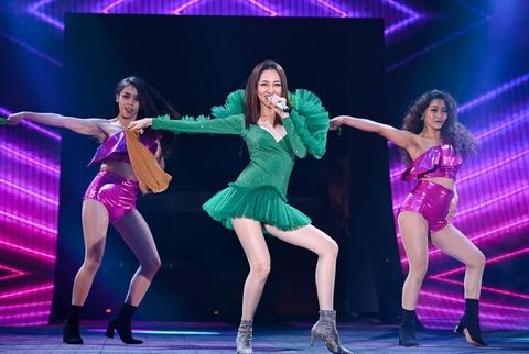 Hot girl 9X Viet ra mat trong nhom nhac Han Quoc bieu dien loi cuon hinh anh 1