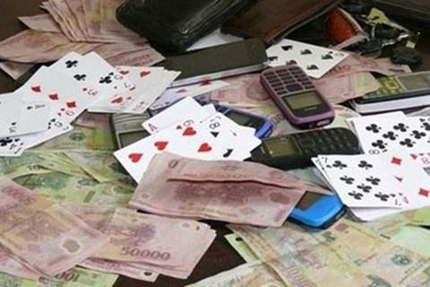 Bắt quả tang cán bộ tư pháp đánh bạc