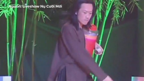 Hoai Linh voi man chia ruou 'hop ly' lam Nhat Cuong chung hung hinh anh