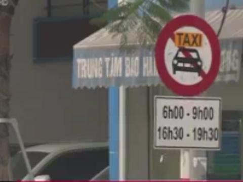 De xuat cam Uber, Grab tai mot so tuyen duong Ha Noi hinh anh