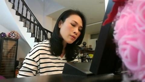 My Tam dan piano hat ca khuc nhac phim 'Thang Nam Ruc Ro' hinh anh