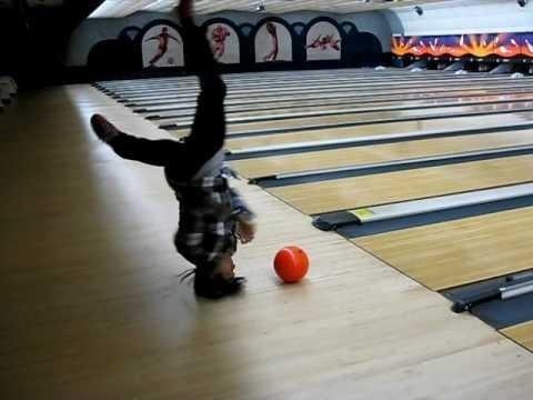 Nhung su co hy huu den kho tin khi choi bowling hinh anh