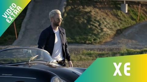 Adam Levine chay thu sieu sedan dien sap ra mat cua hang Porsche hinh anh