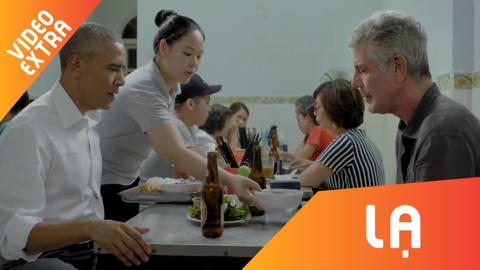 Xem lai video dau bep Anthony Bourdain cung Obama an bun cha Ha Noi hinh anh