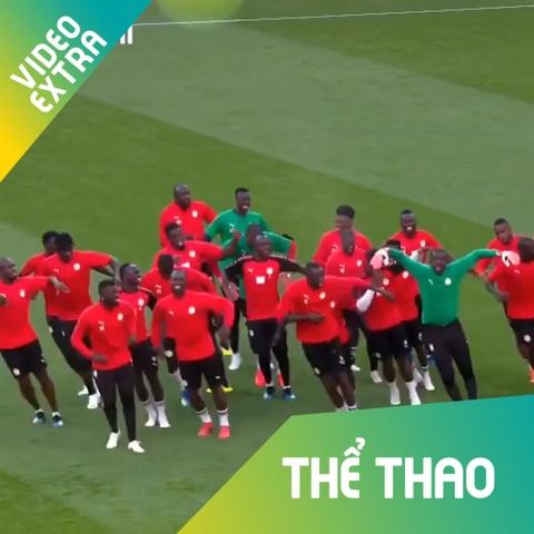 Cau thu Senegal nhay 'flashmob', san sang ha guc Nhat Ban hinh anh